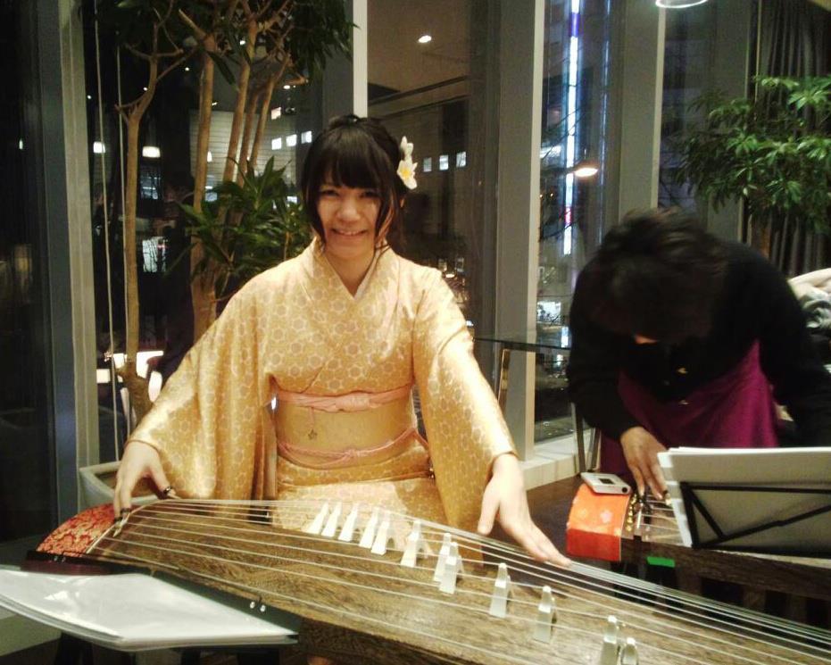 watanabekaroi 箏(琴)演奏-渡辺かおり  箏(琴)奏者 渡辺か